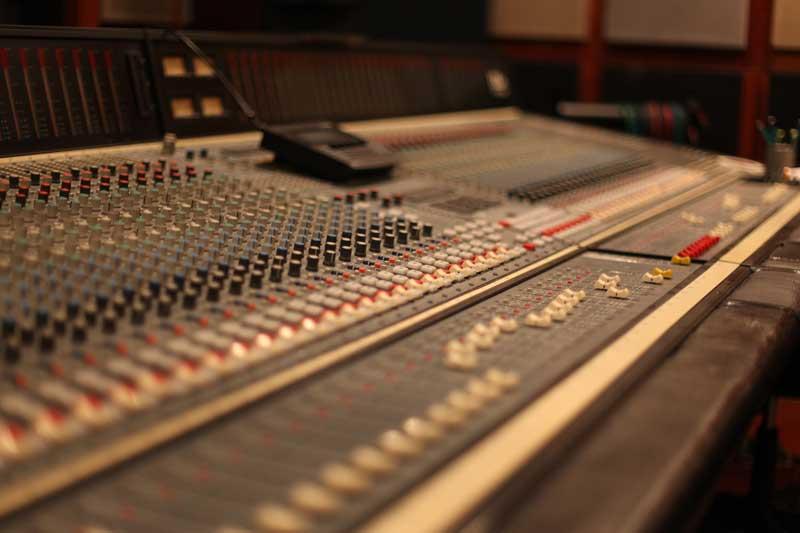 mosh studios dda console