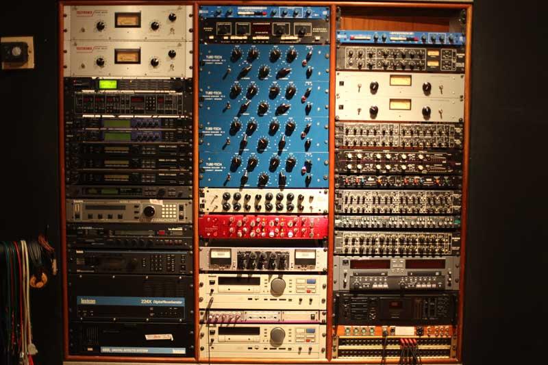 mosh studios rack sala vip